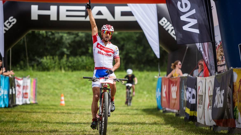 Tropický závod ŠKODA AUTO Sázava vyhrál Rauchfuss a Fridrichová