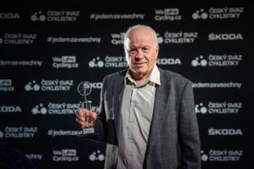 ŠKODA AUTO vzdává hold českým cyklistickým legendám